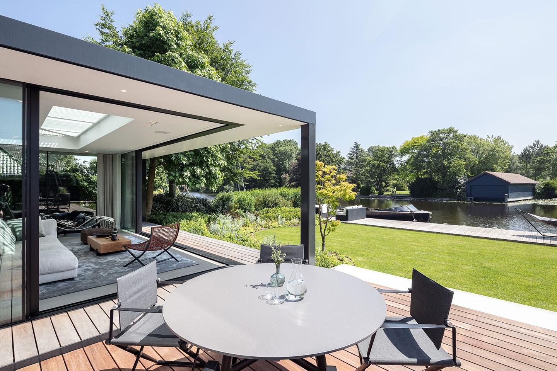 Villa met buitenruimte